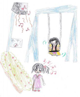 イラスト:花壇の脇で、目を閉じて杖を持った女の子が鼻歌を口ずさんでいる。花壇の反対側には押しボタンの付いた支柱と、その上に音楽が流れ出るスピーカー。隣の椅子型ブランコでは、シートベルトを付けた女の子が笑顔で揺れている