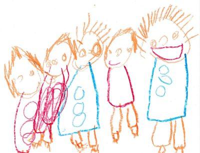 子どもの絵:クレヨンで描かれた5人の子ども。公園の遊び友達みんなで仲良く並んで笑顔