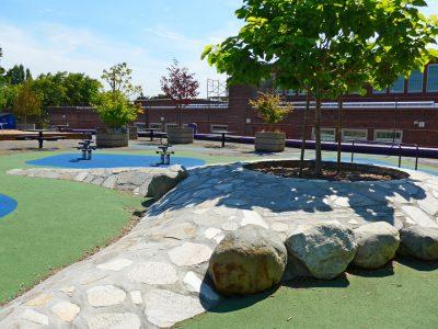 写真:学校の遊び場