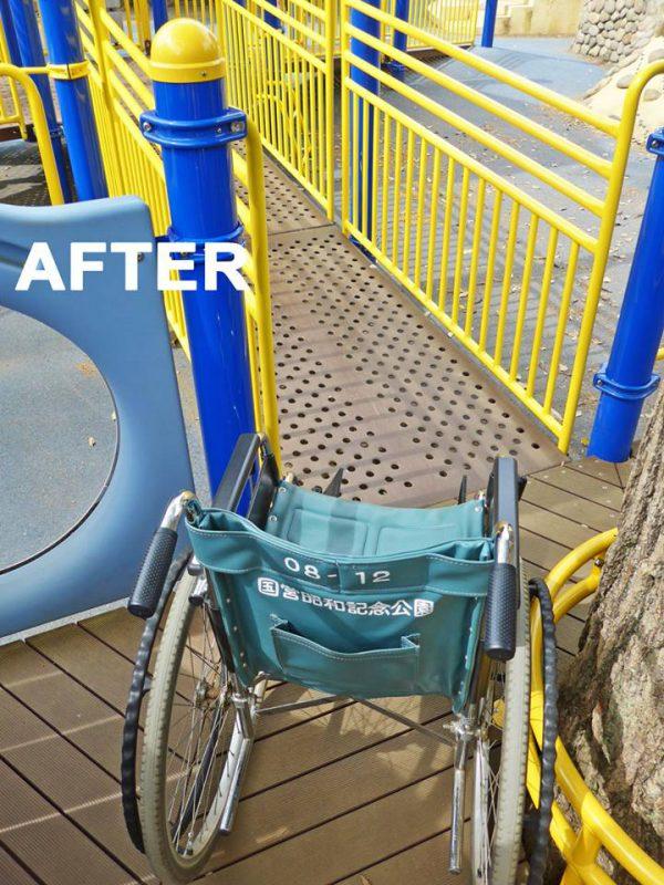 写真:車いすが通過可能に。ただ柱や木の位置はそのままなので手狭